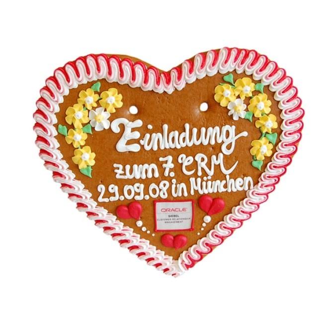 Lebkuchenherz mit Marzipanlogo und Schrift 33 x 32 cm